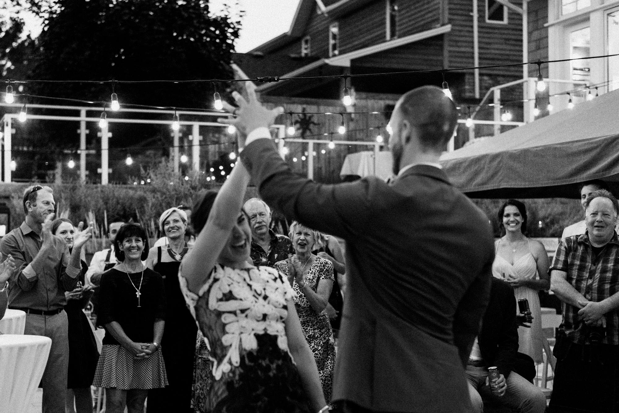 fraser-cottage-grand-bend-wedding-photographer-113.jpg
