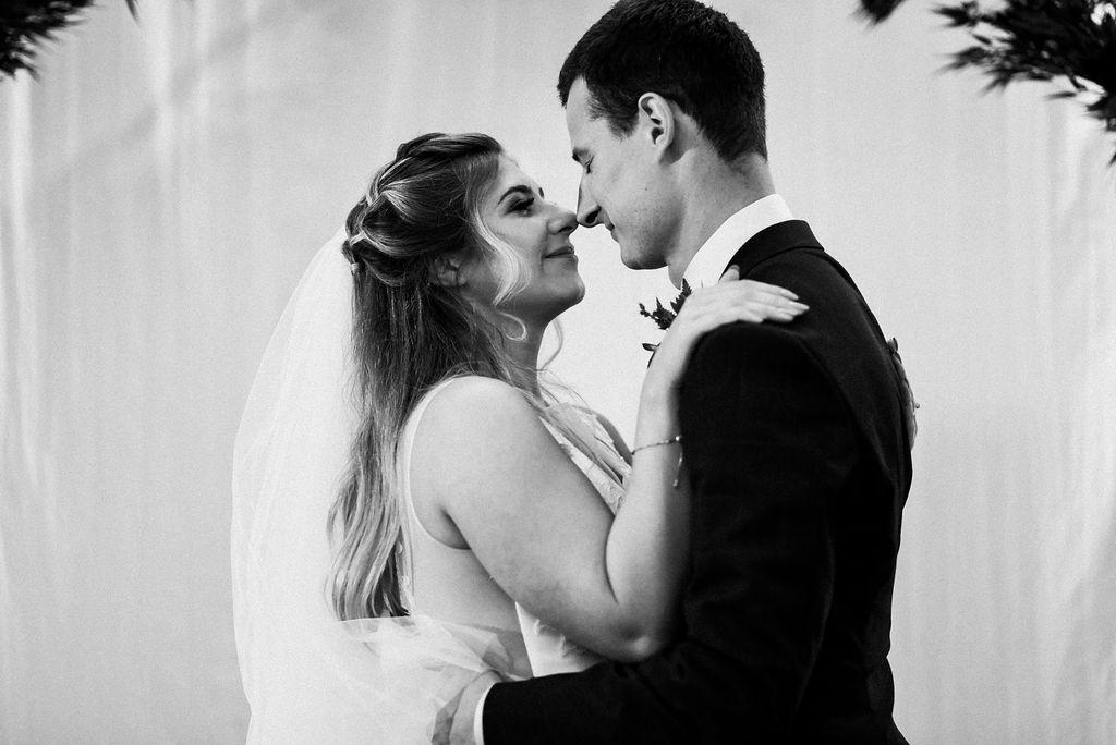 lina-alex-torontoislandwedding-226.jpg