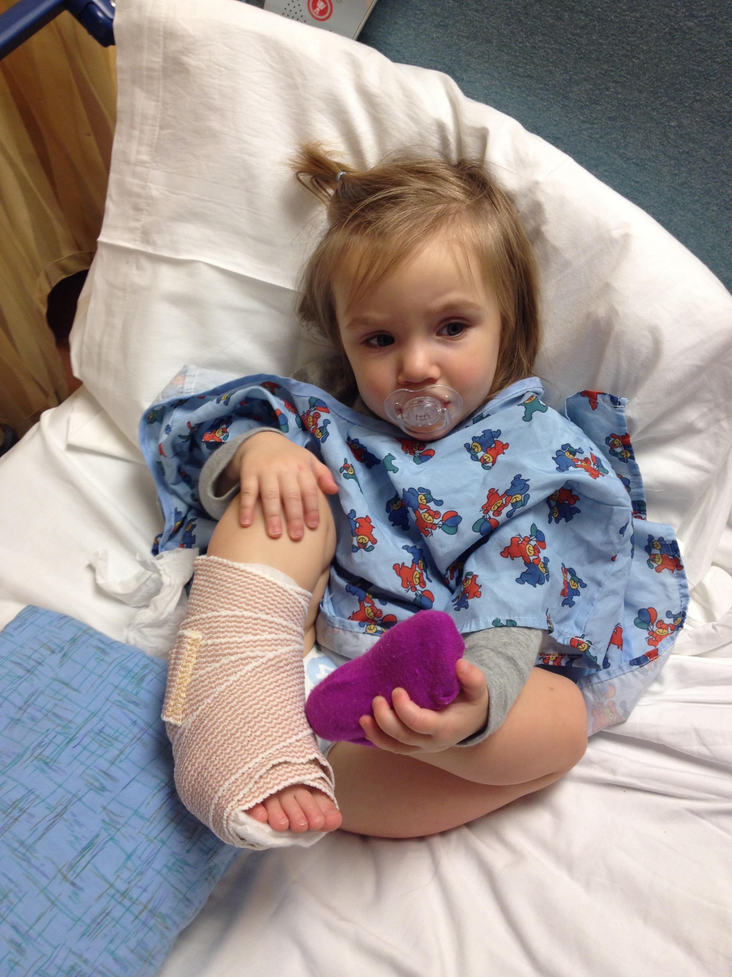 Toddler with a broken leg