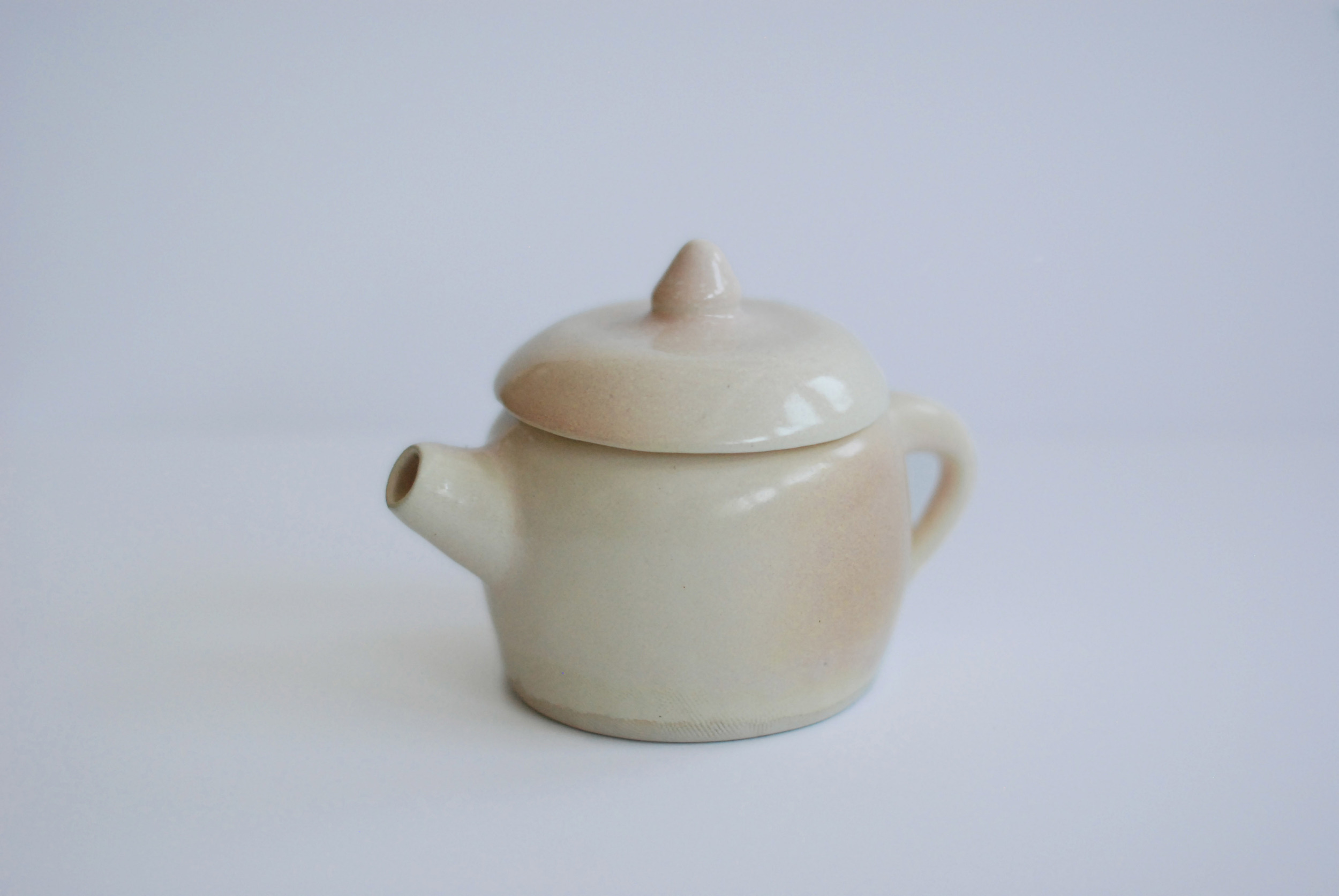 Almond_Teapot_02_Q9.jpg