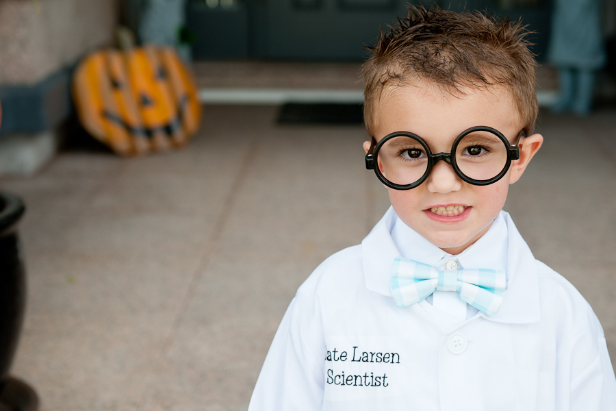 halloween scientist ==> tracy-larsen.com/blog