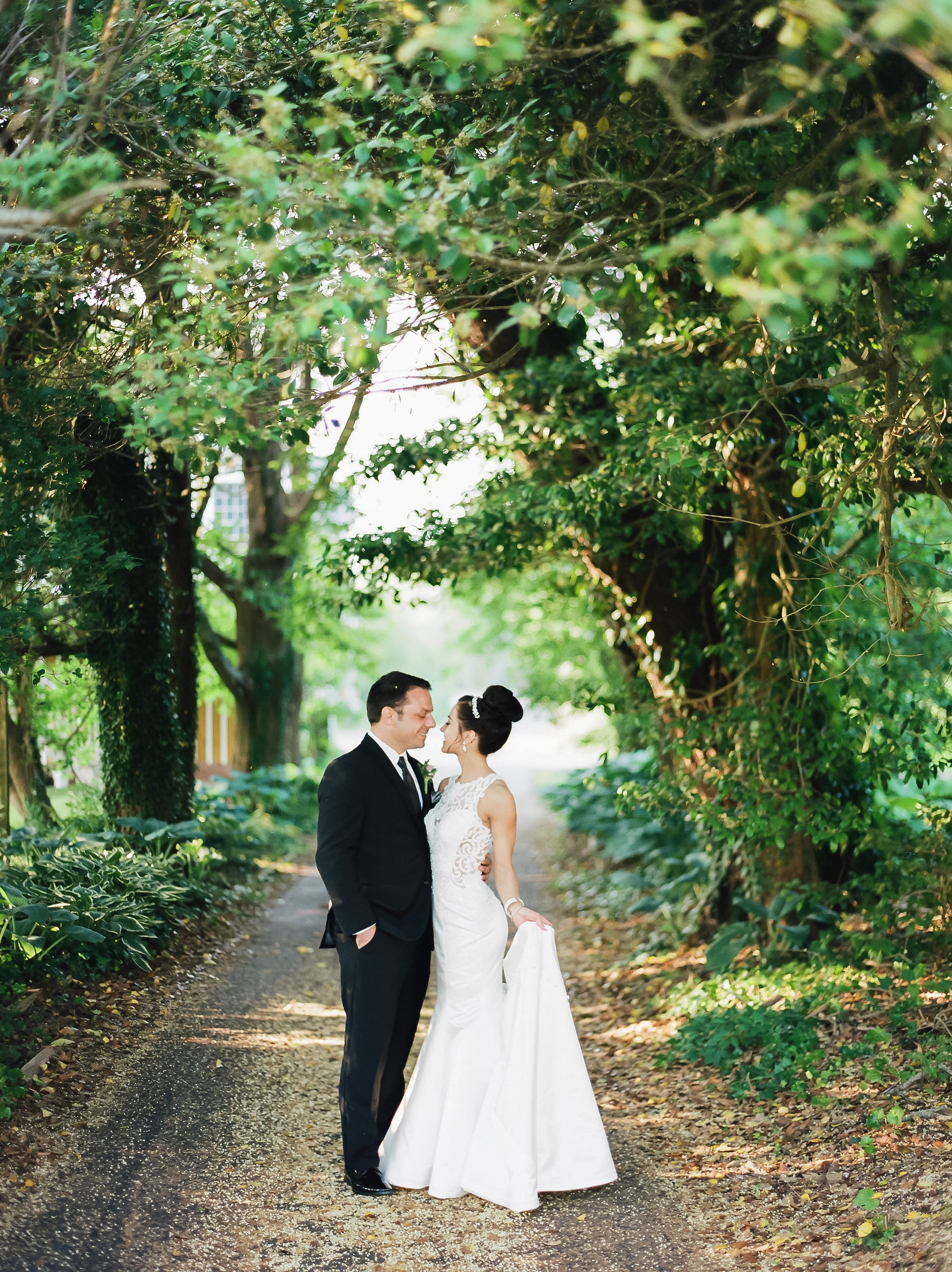 MagdalenaStudios_WeddingPhotographer_WillowCreekWinery_CarissaJoe-432.jpg