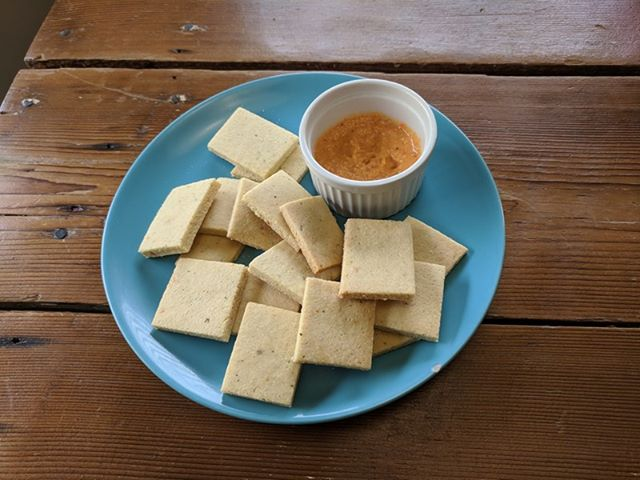 - When you are on a gluten-free, low carbohydrate diet, sometimes you miss the familiar savory taste of a cracker. There are many options! I just tried this recipe and it turned out well.