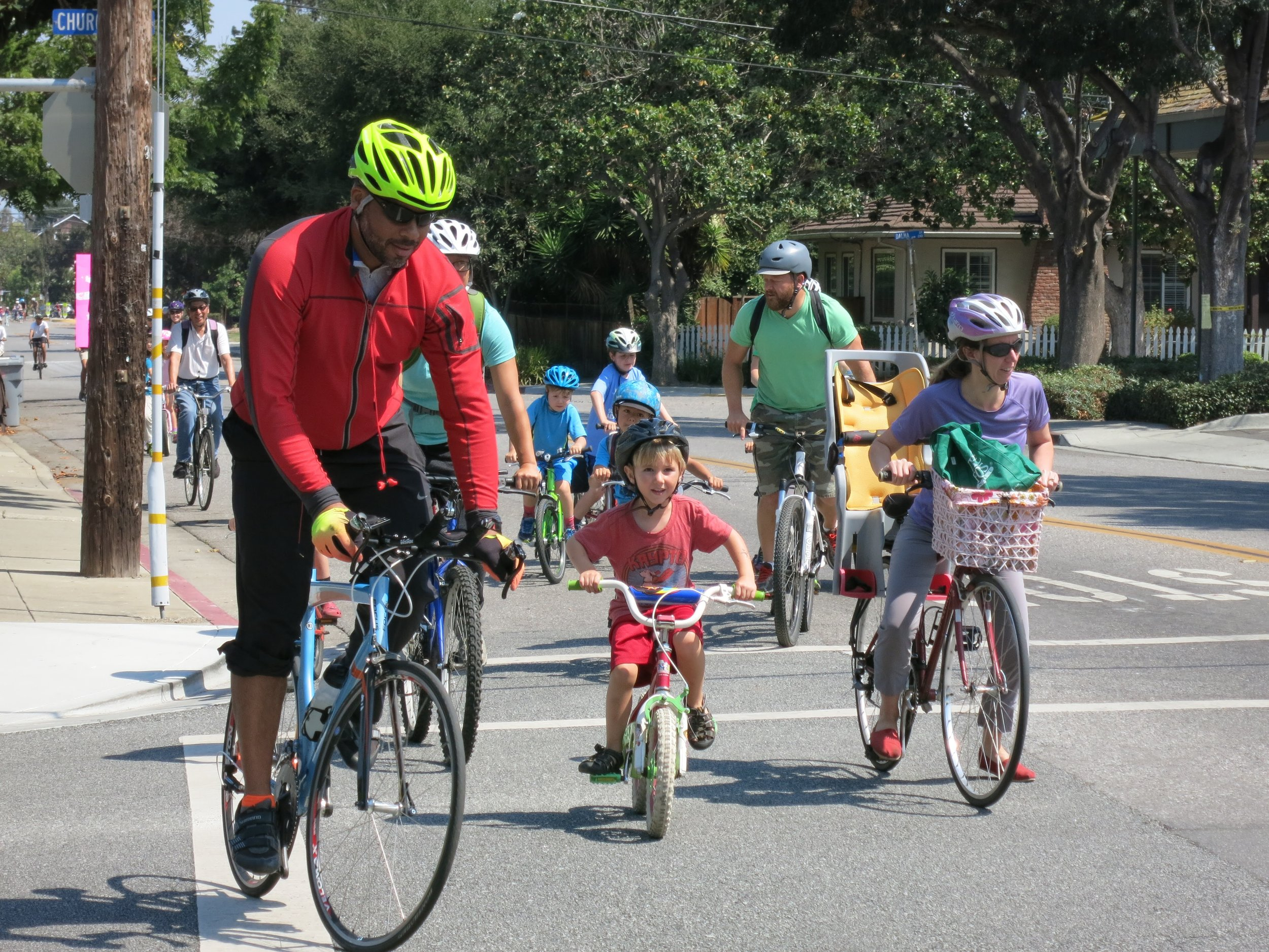 Superintendent Rudolph rides with Mountain View families - Photo by Chris Brunn