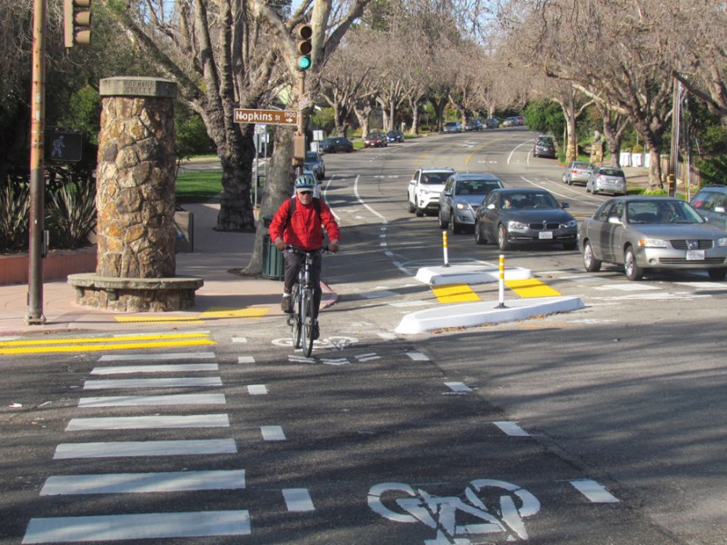 Protected Intersection in Berkeley, CA.  Photo: Melanie Curry and Stretsblog California