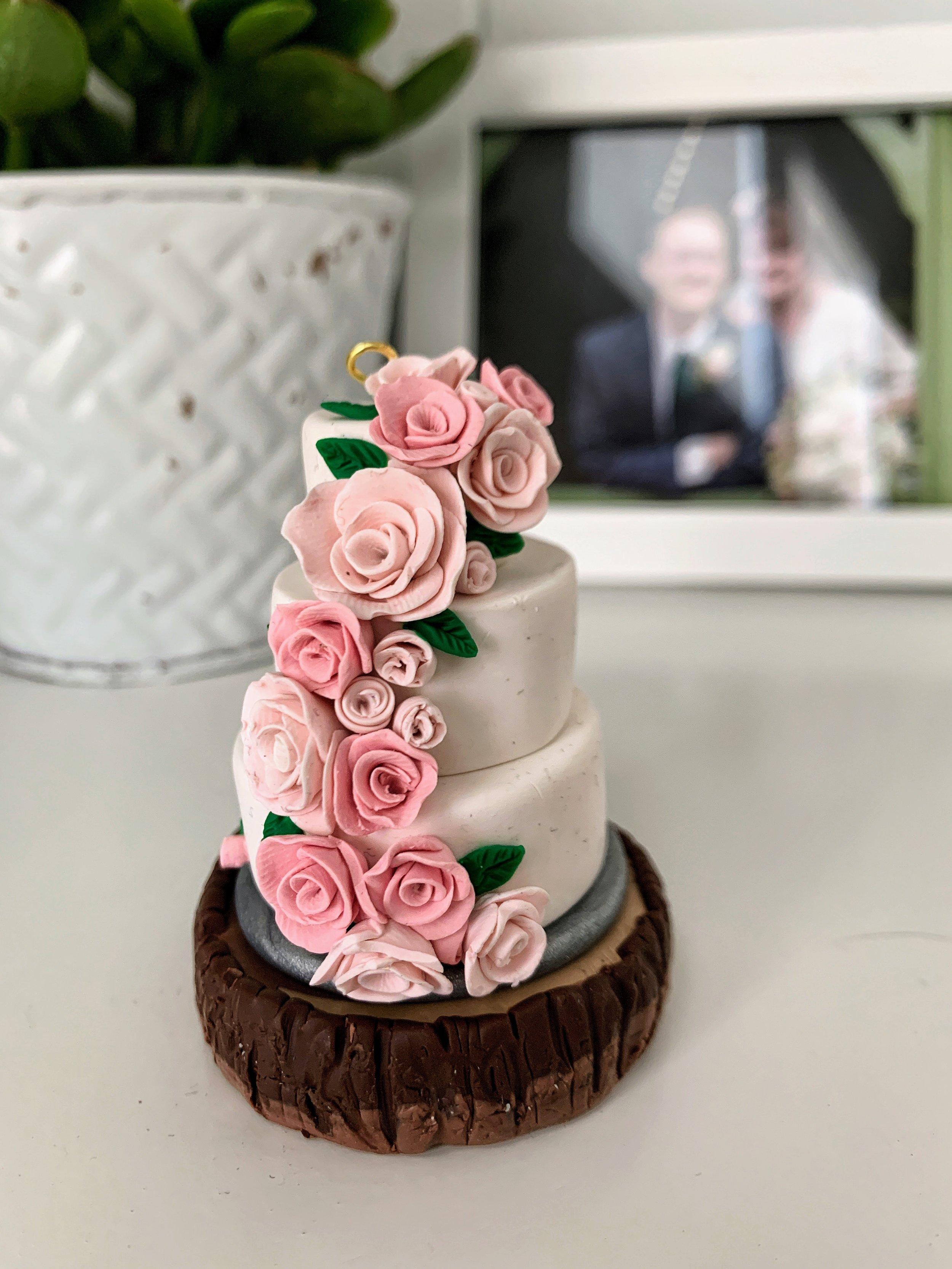 wedding cake ornament.JPG