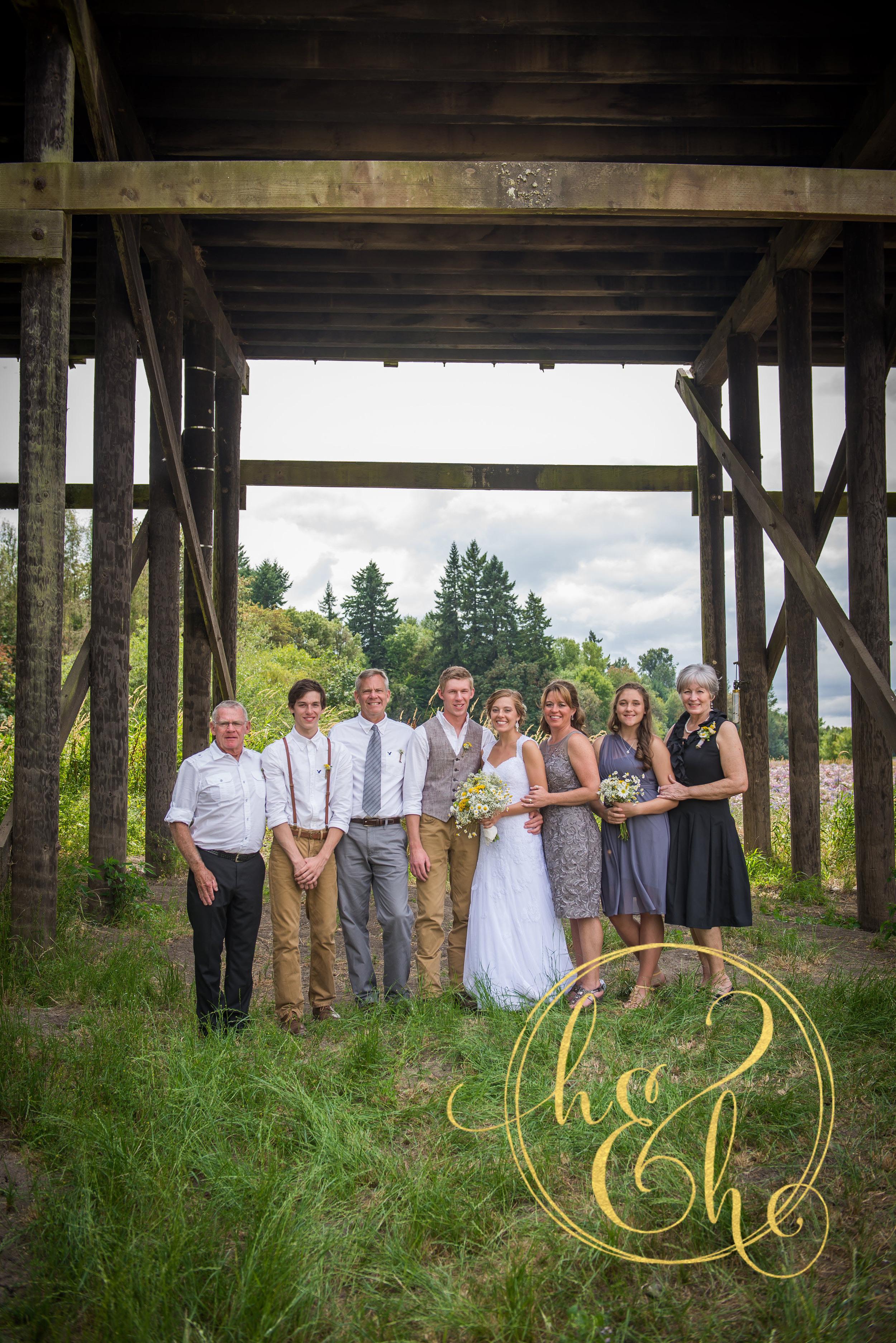 Joseph Loves Esther-Family Formals-0017.jpg