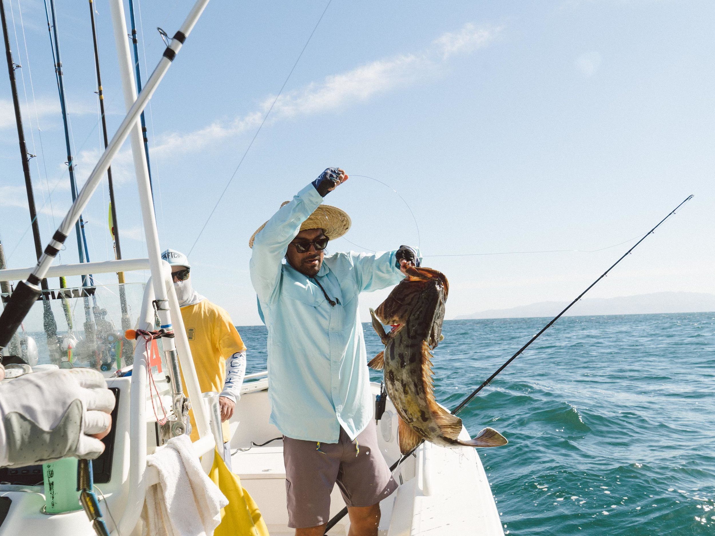 Justin Reynolds throws on a fully flared and flexing Gulf Grouper.
