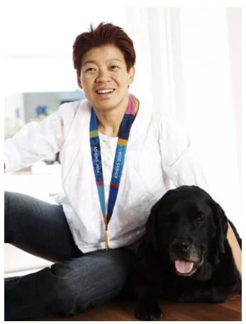 孩提时代的Lindy Hou(侯威麟),梦想着代表澳大利亚,脖子上戴上金牌,站在奥运的领奖台上。 在2004年雅典残奥会上,当她赢得金牌,两枚银牌和一枚铜牌时,梦想变为了现实……