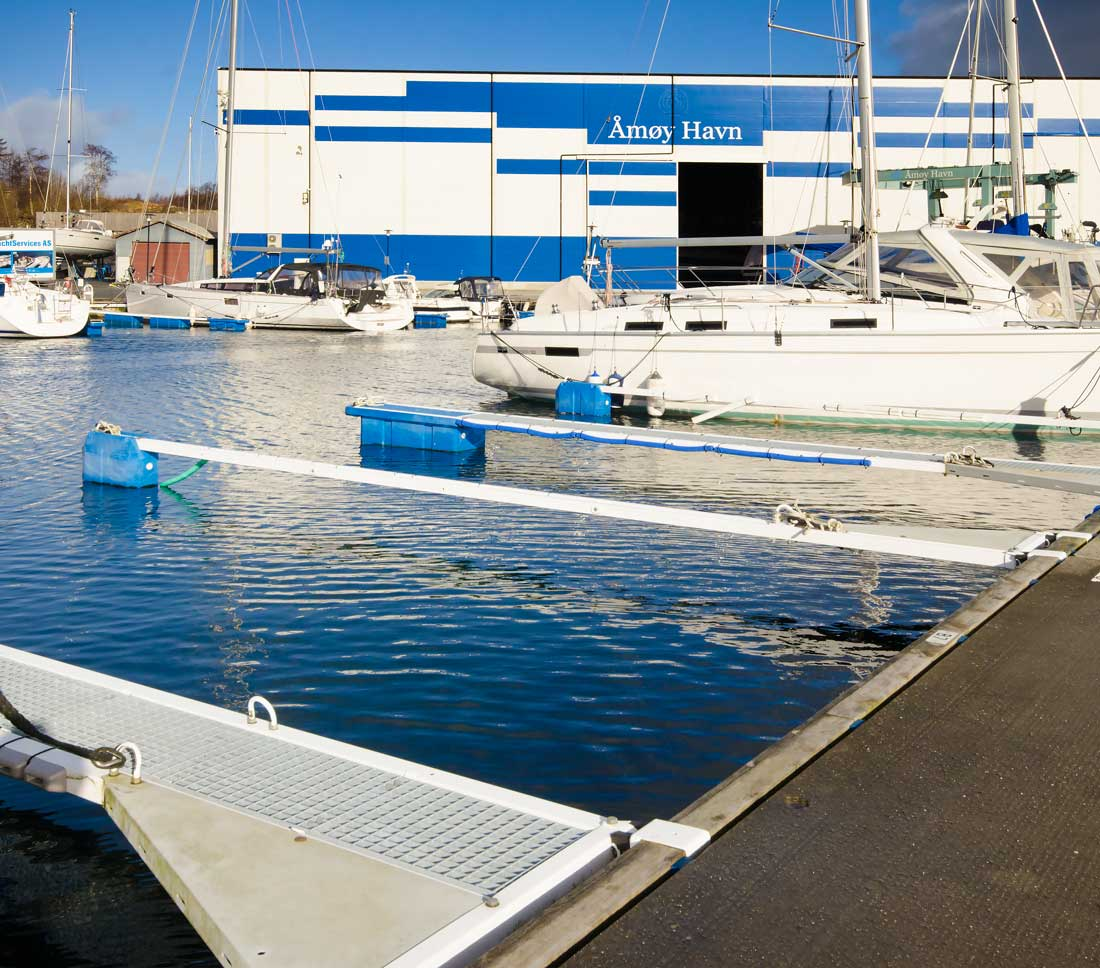 Åmøy-havn-båtplass-3.jpg