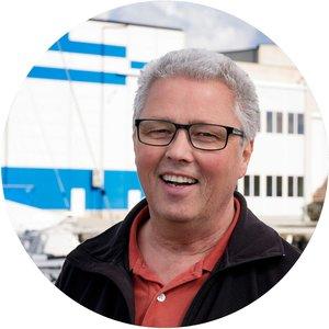 Dagfinn Thorsen   Daglig leder   Vakttelefon:    951 85 000    dagfinn@amoyhavn.no