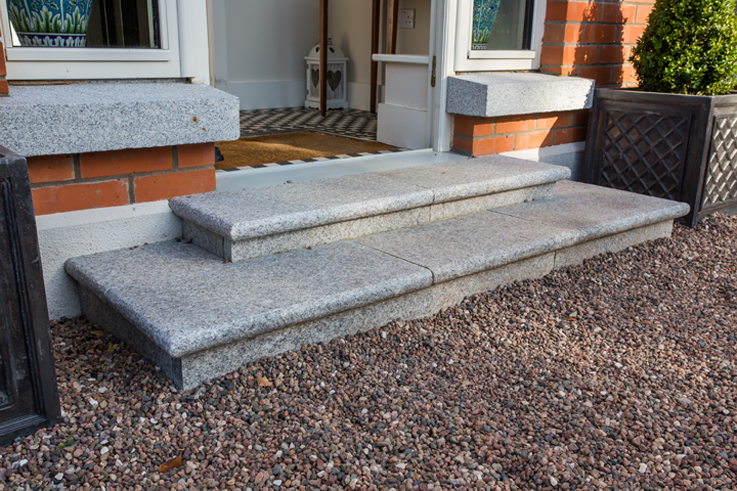 front-steps-garden-exterior-priory-avenue-design.jpg