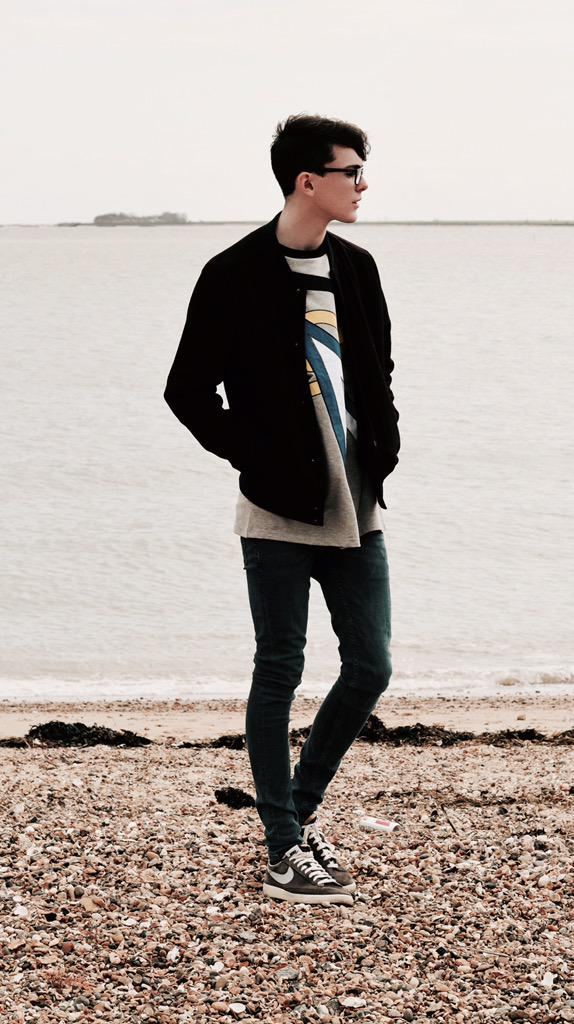 Sam Squire Male Fashion & Lifestyle blogger UK