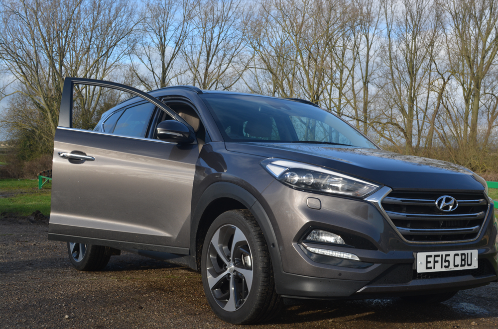 Hyundai Tucson | SUV Review | Sam Squire UK Male blogger
