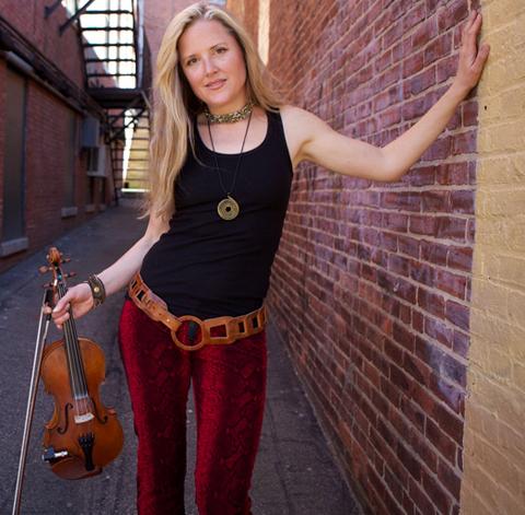 Joyce Anderson – Bridges all genres with fiery solo violin & vocals