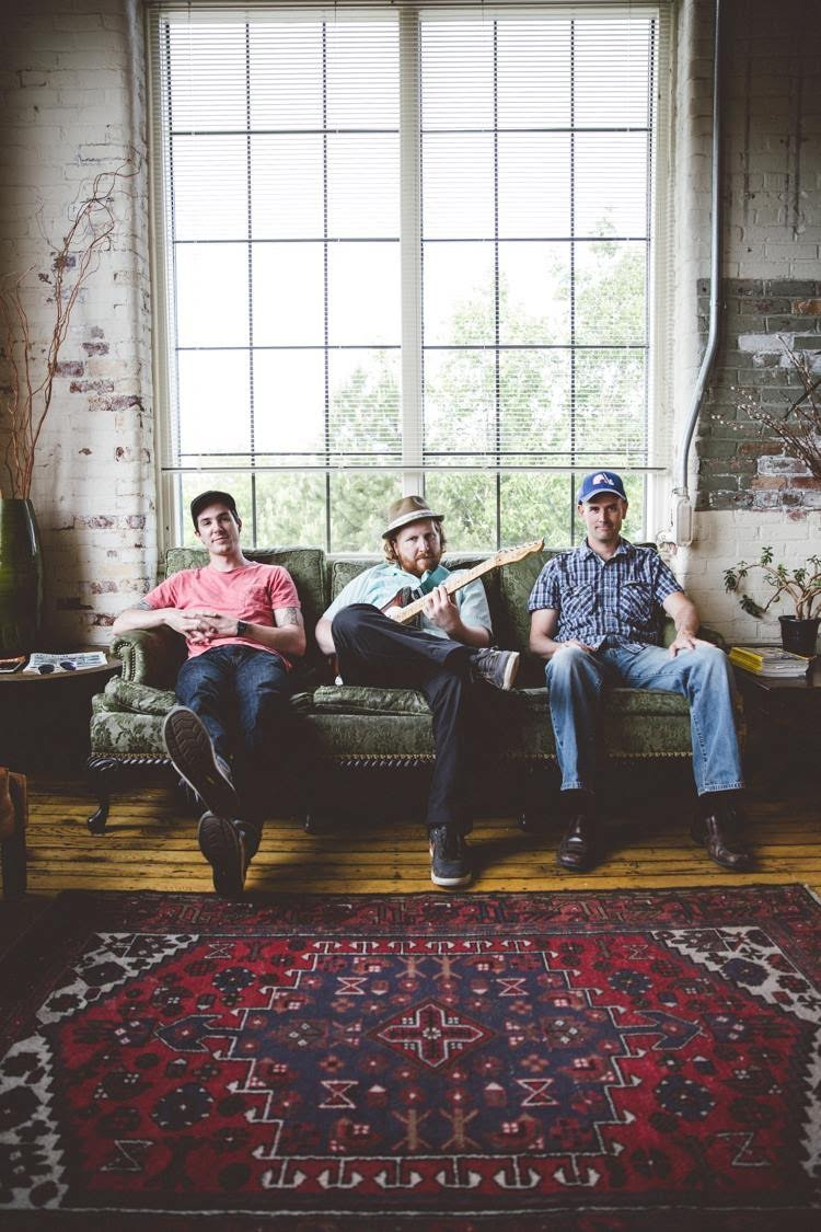 Micromasse – Classic organ trio with a twist of contemporary Latin & African music