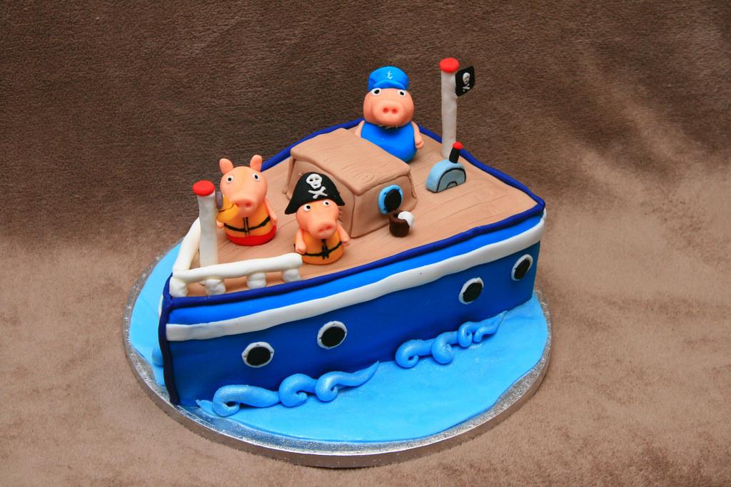 peppa-pig-ship-cake.jpg