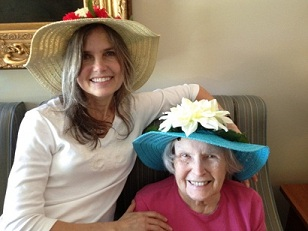 Beth Reinert with mother Marilyn Redwood