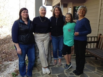(l to r) Daughter Susi, Kaki, daughter Andi, granddaughter Helen, Kaki's sister Marilyn. (December 2013)