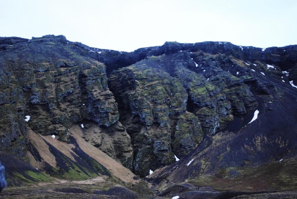 Rauðfeldsgjá gorge, themystical crime scene, home to sea gulls and echoing grief