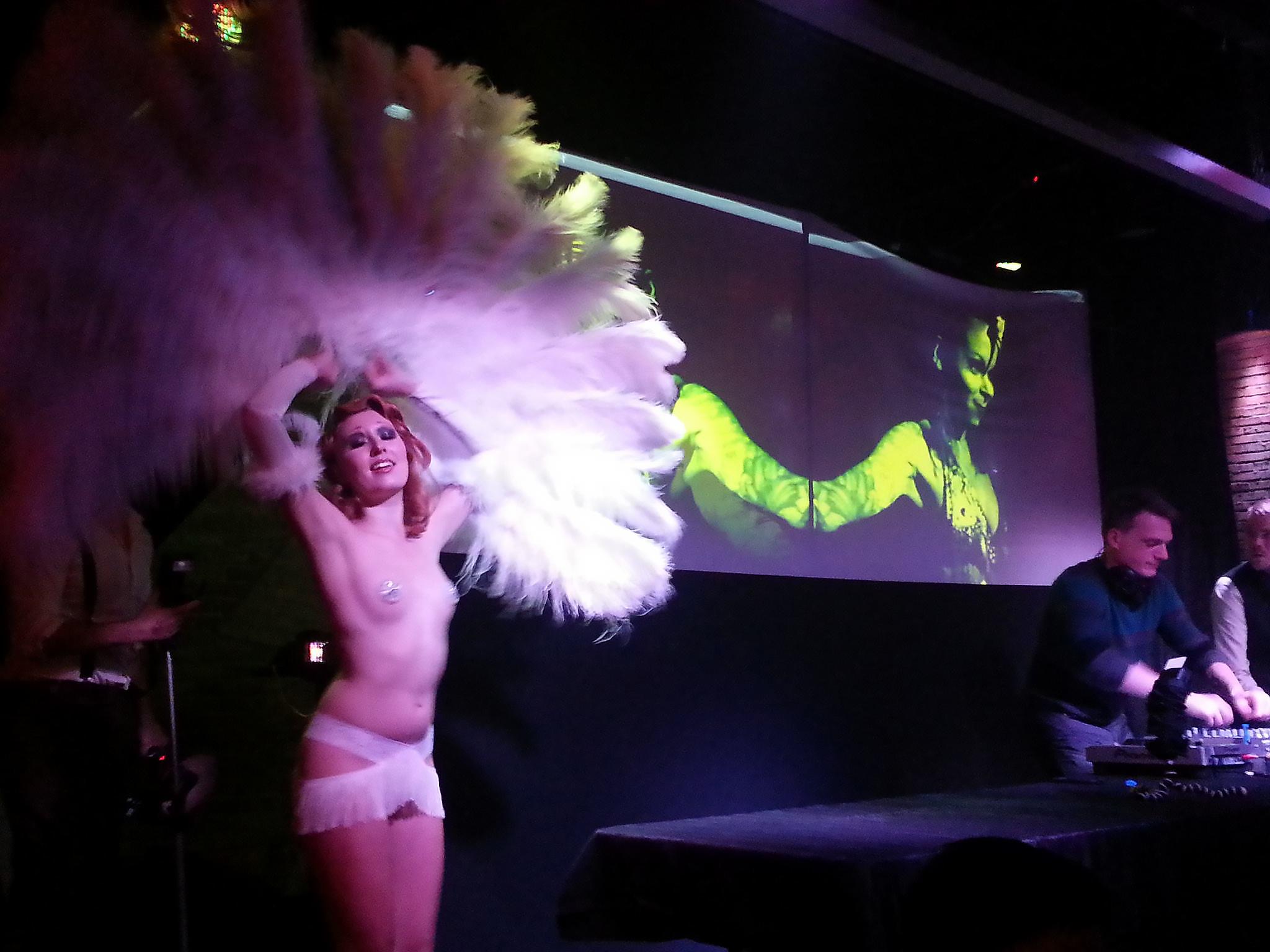 burlesque_10.jpg