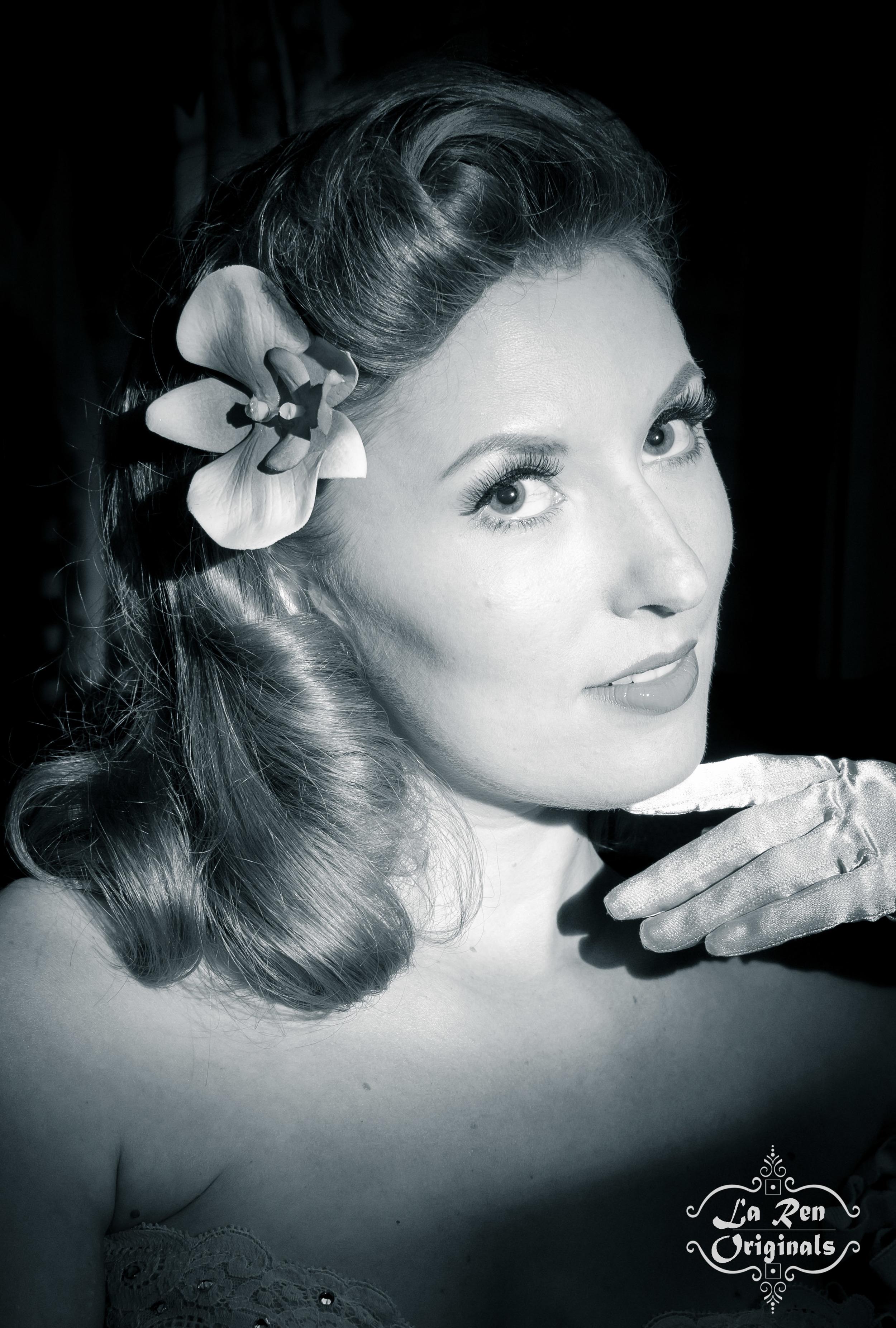 Angela La Muse, La Muse, Miss La Muse, Burlesque, Burlesque Dancer, La Muse Burlesque, Pin Up, Miami Burlesque, Retro Hair, Pin Up Hair, Film Noir, Femme Fatale