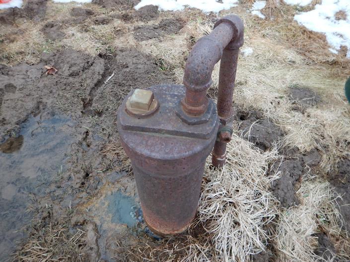 abandoned gas well.jpg
