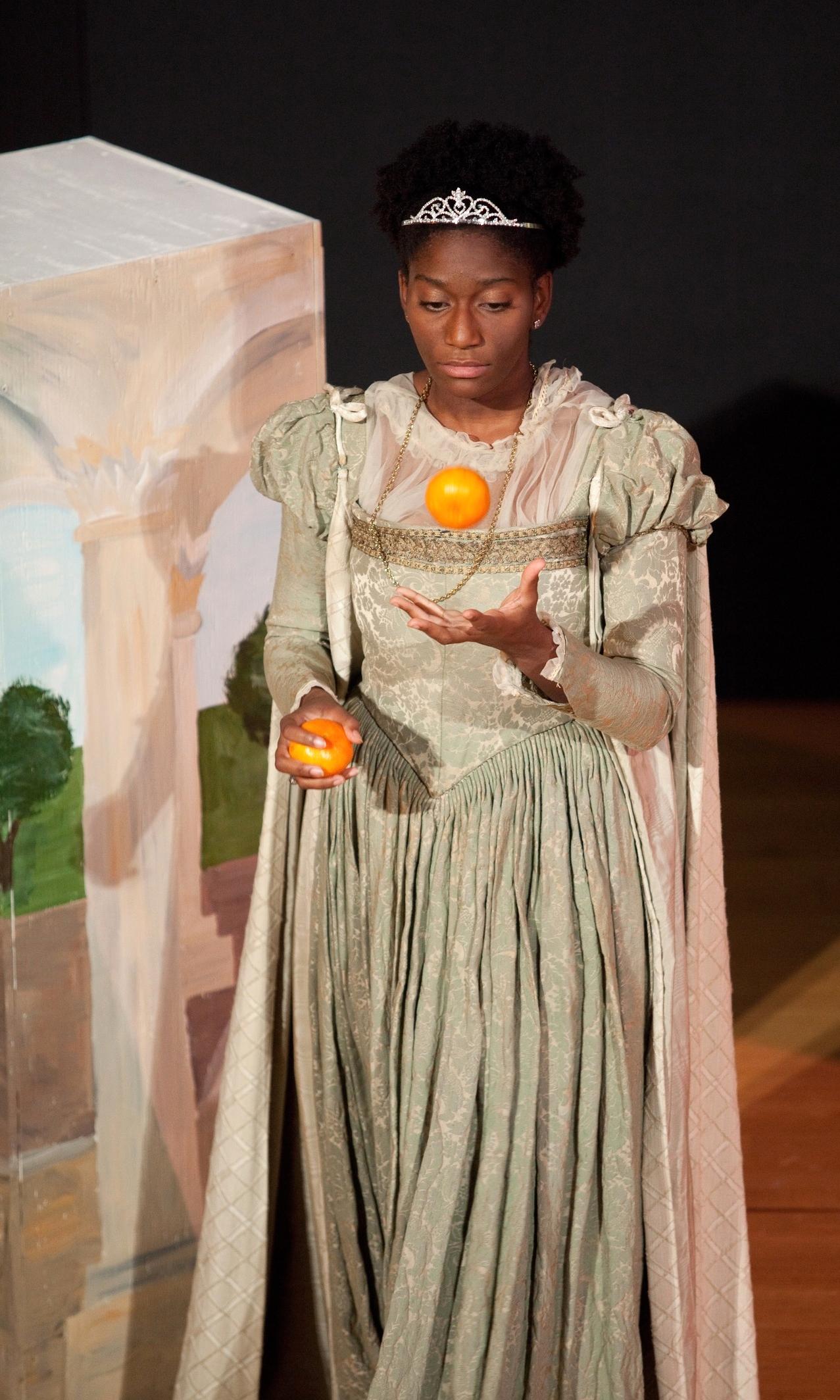 ros juggles orange.jpg