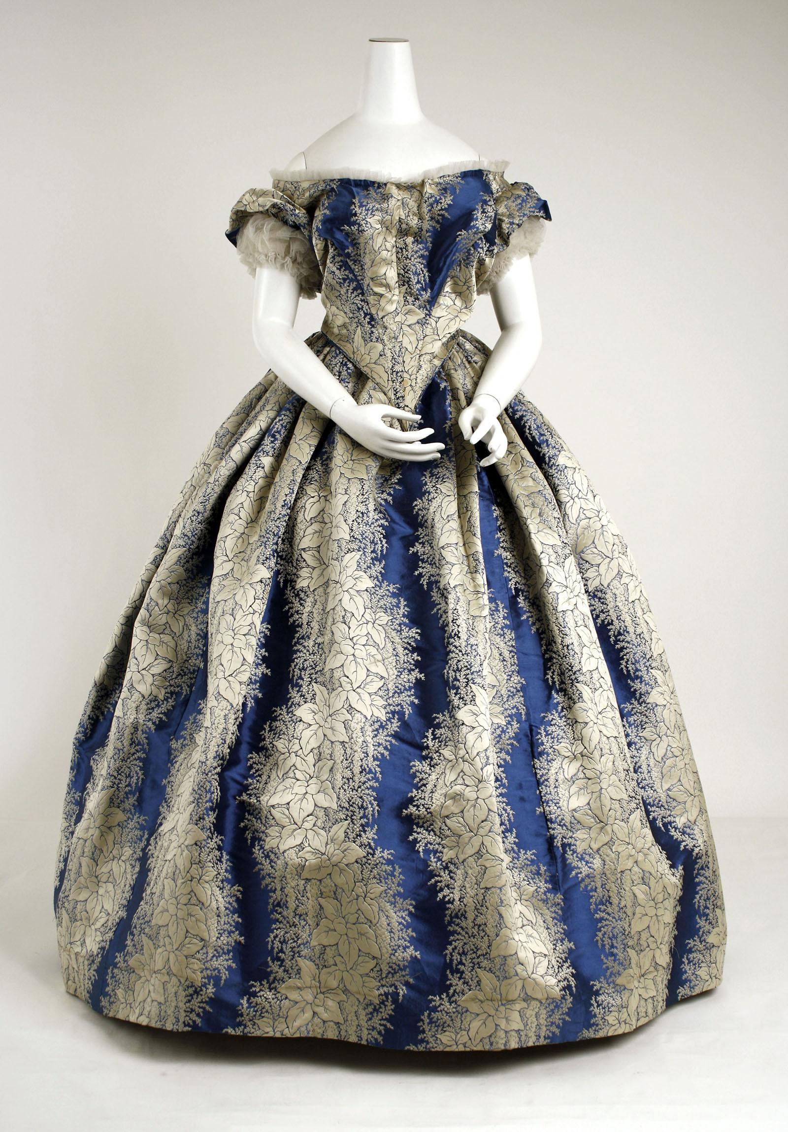 Evening dress, circa 1855-58, The Metropolitan Museum of Art, New York