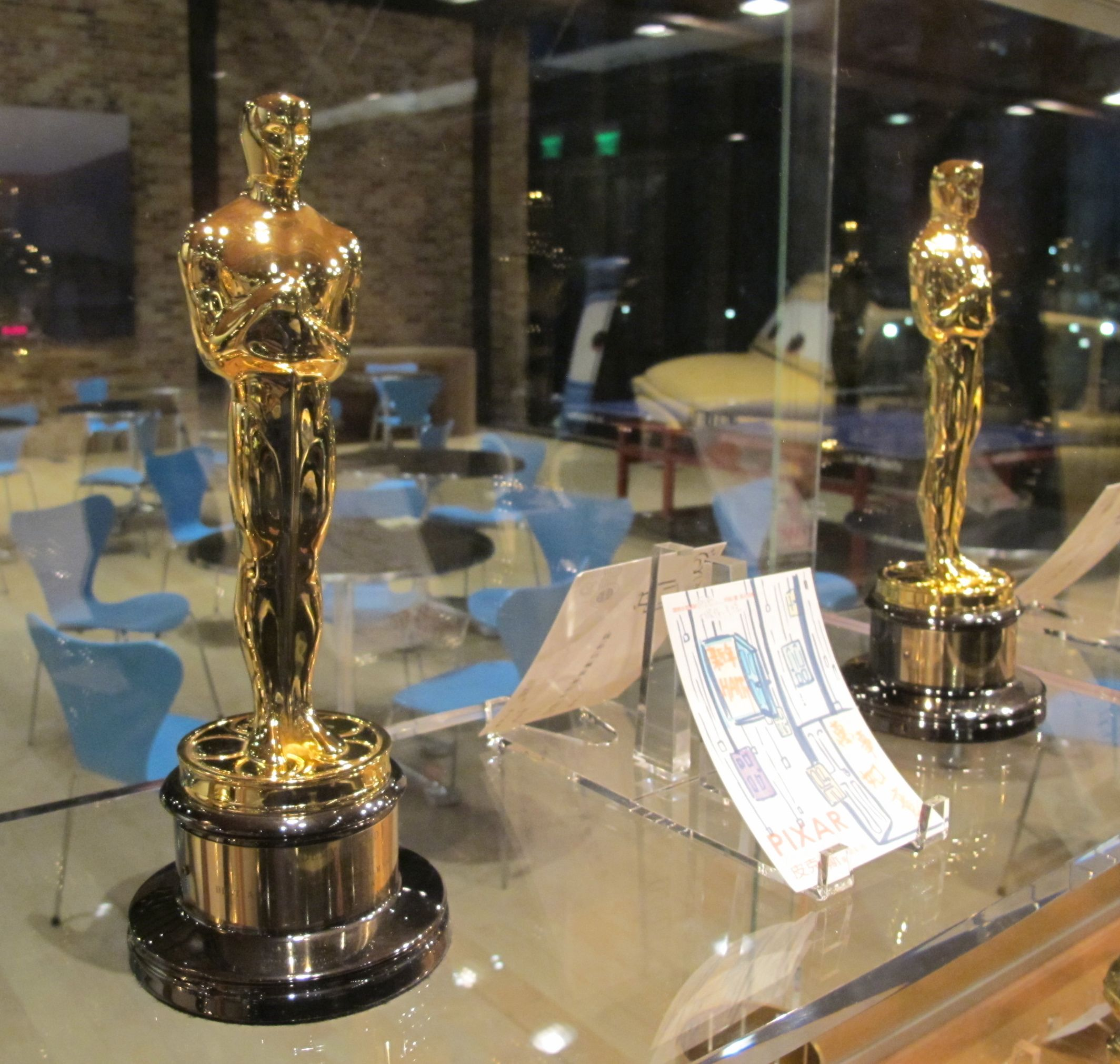 I mentioned the Oscars right? These were the first ones Pamelia and I had ever seen in person.