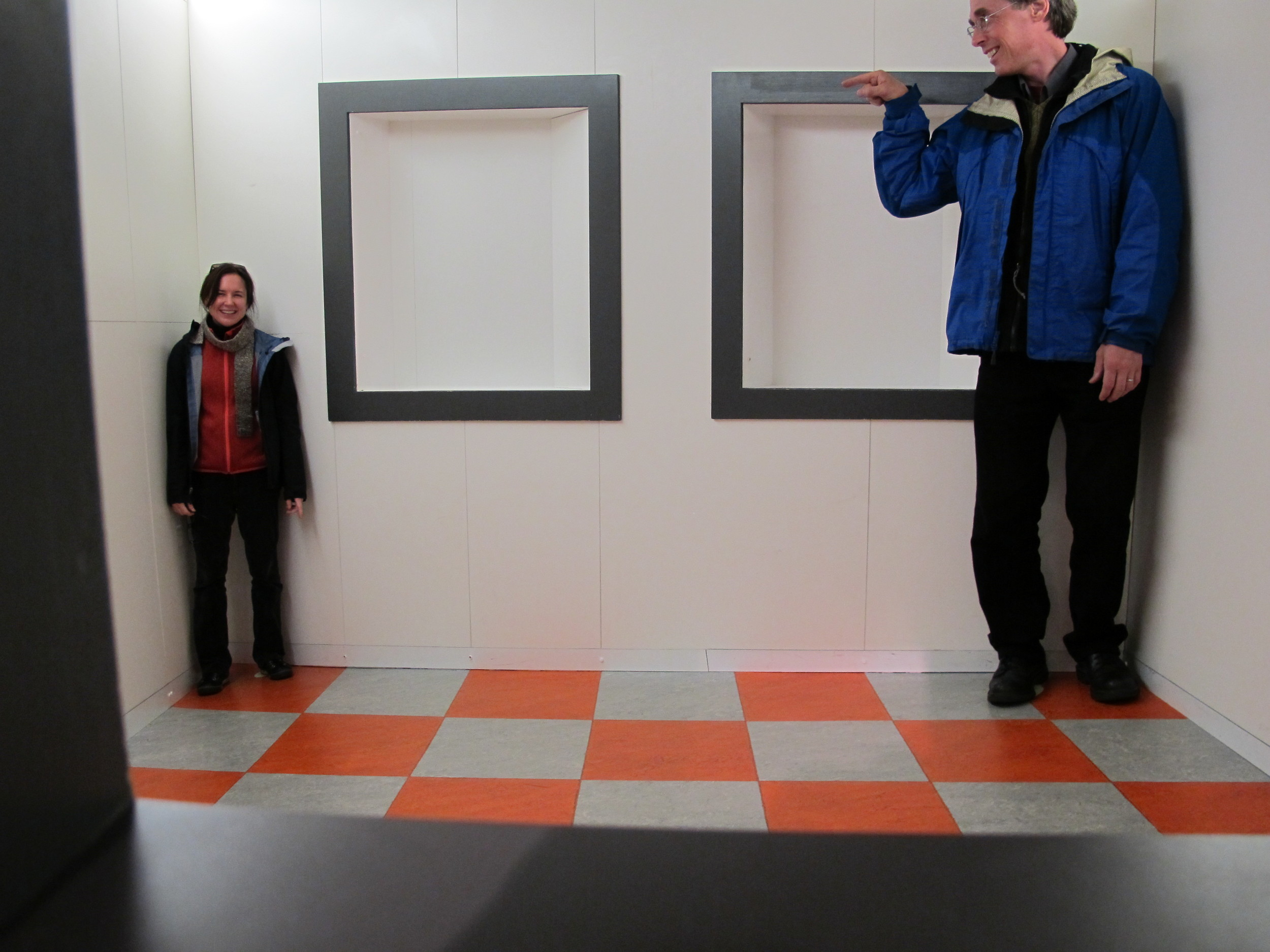The incredible shrinking Pamelia? No, just an optical illusion created when the two of us stepped into an Ames room in Edinburgh's Camera Obscura museum. If we could just find enough space to build one of these rooms at The Naturalist's Notebook, we would.