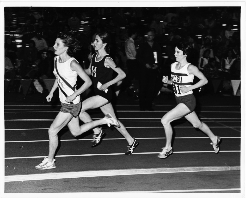 Lynn at 1978 Dartmouth Relays, with future Olympic marathon champion Joan Benoit of Maine two places behind her.