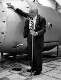 Edward Teller with a Russian bomb in 1996