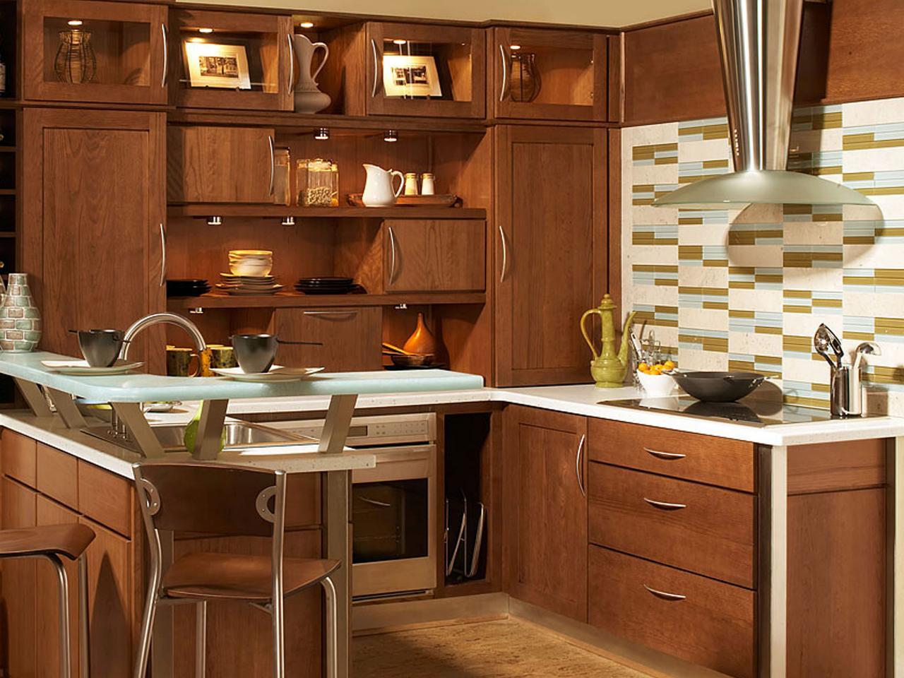 CI-Wellborn-Cabinet_kitchen-backsplash-green-aqua_s4x3.jpg.rend.hgtvcom.1280.960.jpeg