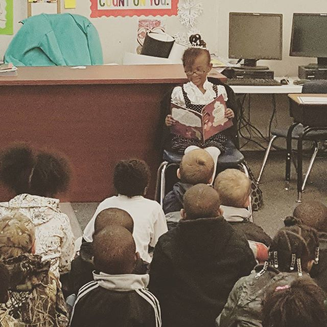 My little author reading to the students at Heritage Collegiate Leadership Academy. #rockyourcrown #daddyslittleprinces #taylormadepublishing