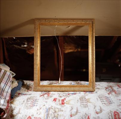 13_empty-frame-web.jpg