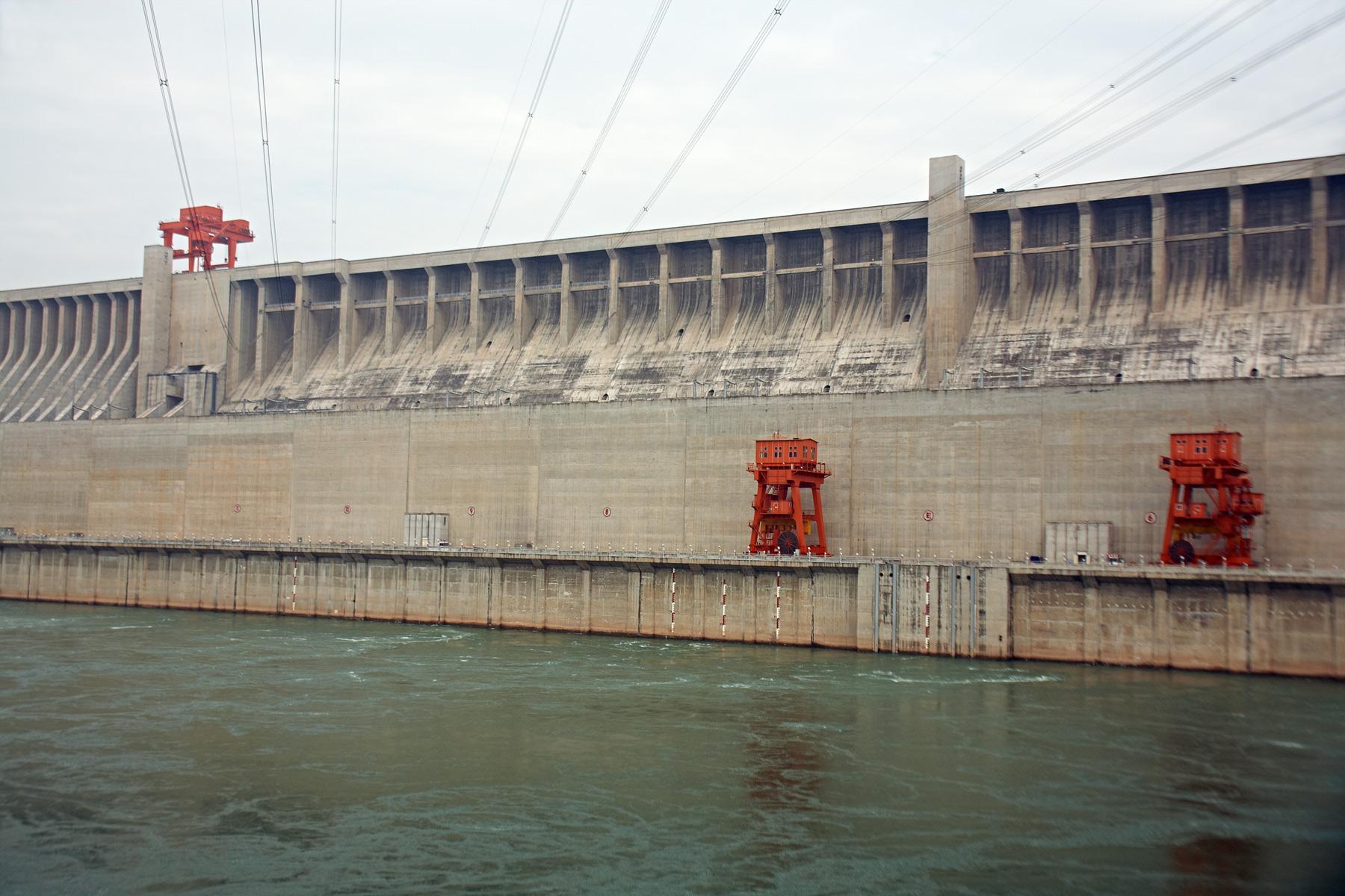 China_Yangtze_Three_Gorges_Dam_01.jpg