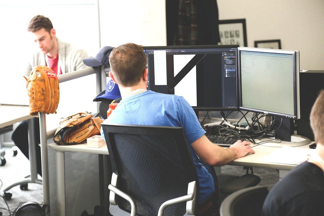 Sitting ergonomically at desk