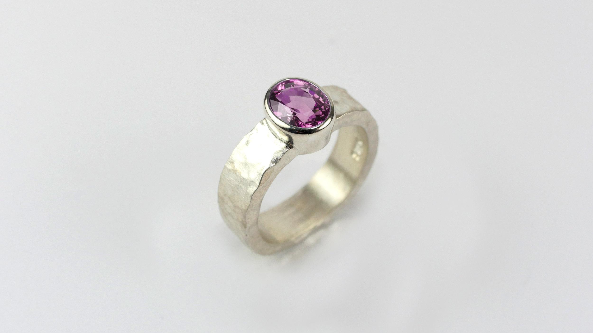 ring-green-round-1-pink.jpg