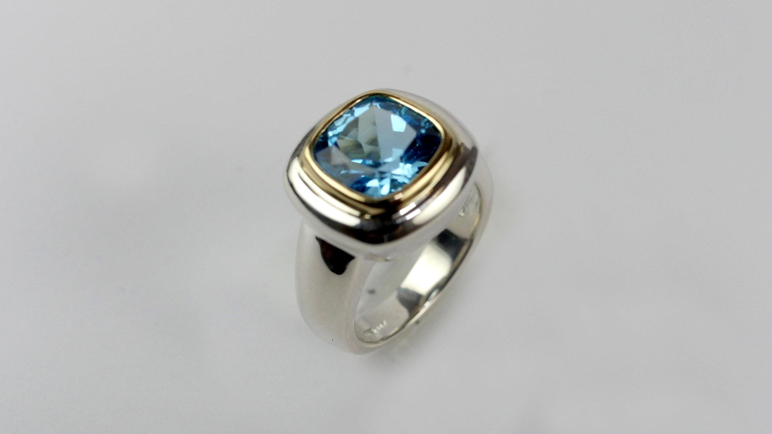 ring-blue-gold-4.jpg