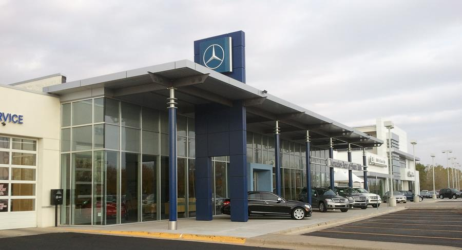 Luxury Auto Mall of Sioux Falls 4.jpg