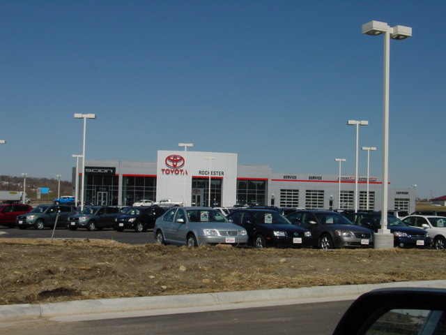 Full Dealership 1 22047.JPG