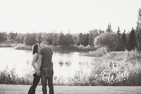 Edmonton-Wedding-Photographers-YEG-Engaged-Sherwood Park-Bride-Groom-Engagement Photos