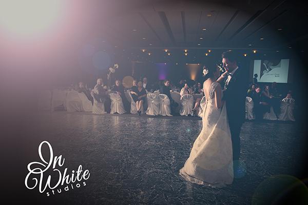 Edmonton-Wedding-Photographers-YEG-Engaged-Sherwood Park-Bride-Groom-First Dance