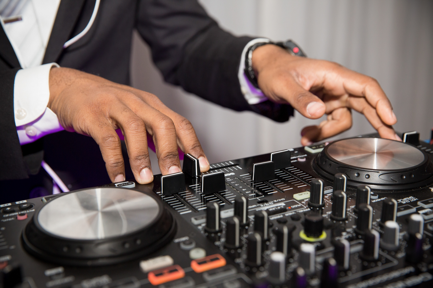 top rated wedding DJs