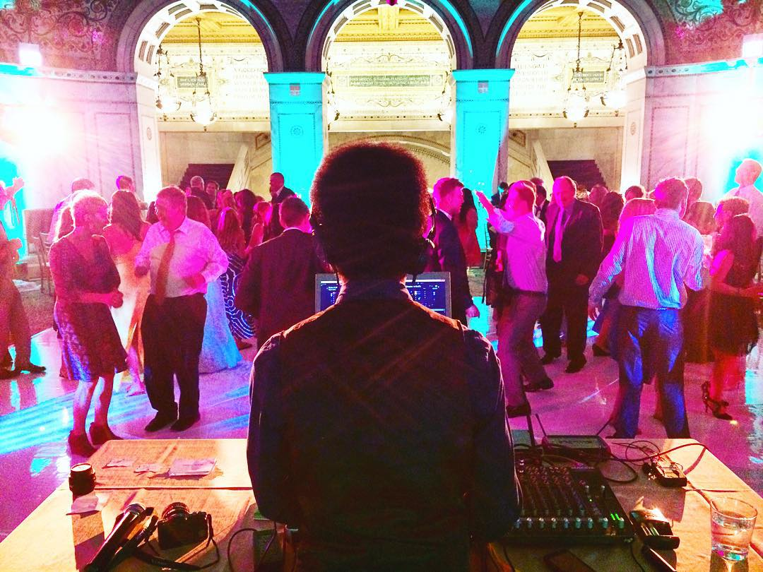 wedding djs in chicago