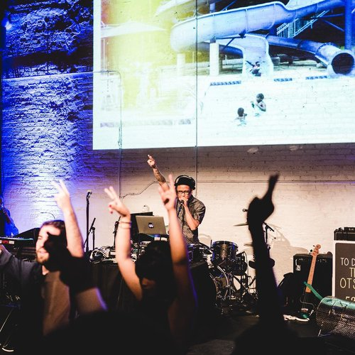 live-dj-performance.jpg