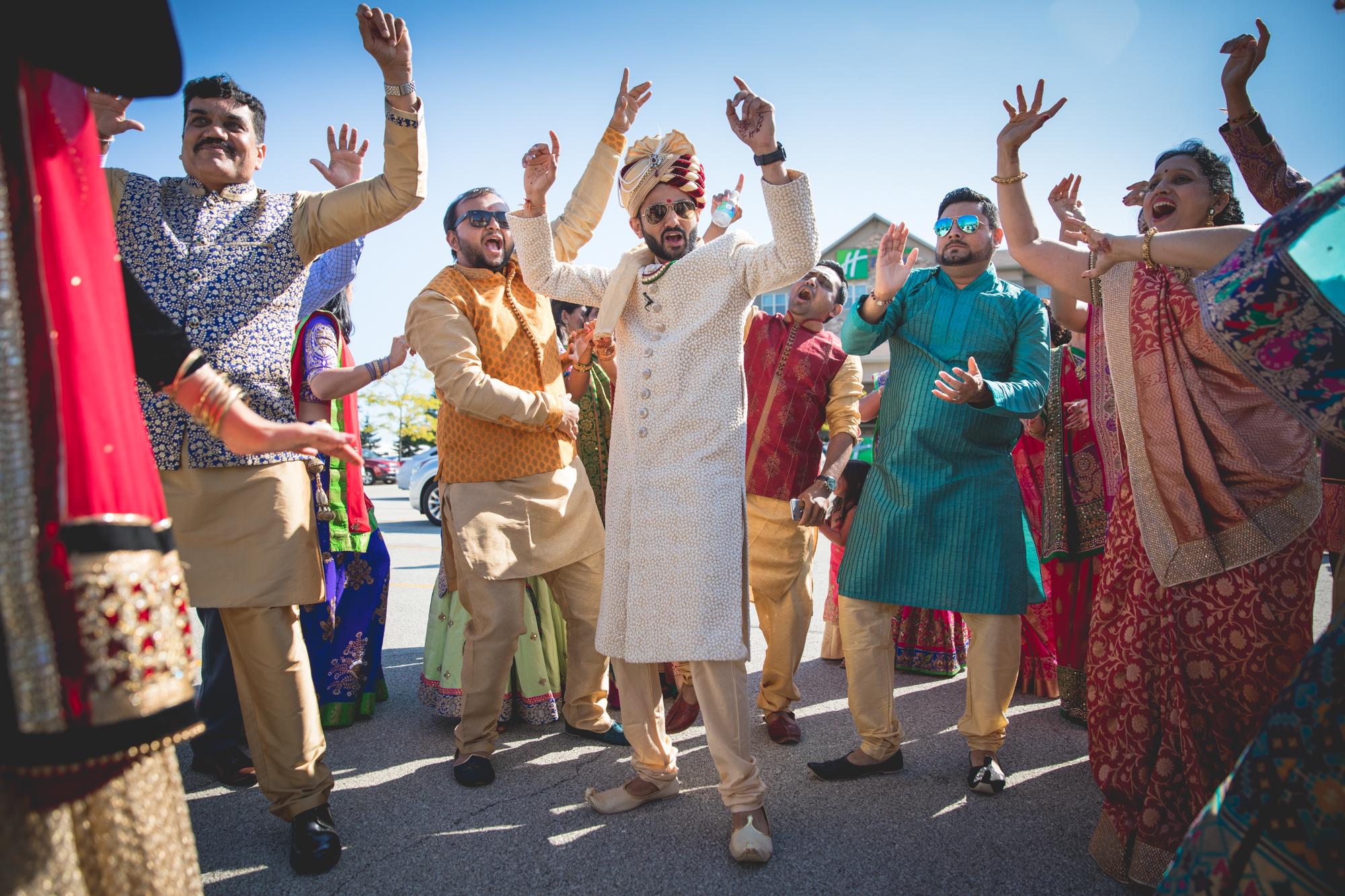 baraat-groom-dancing.jpg