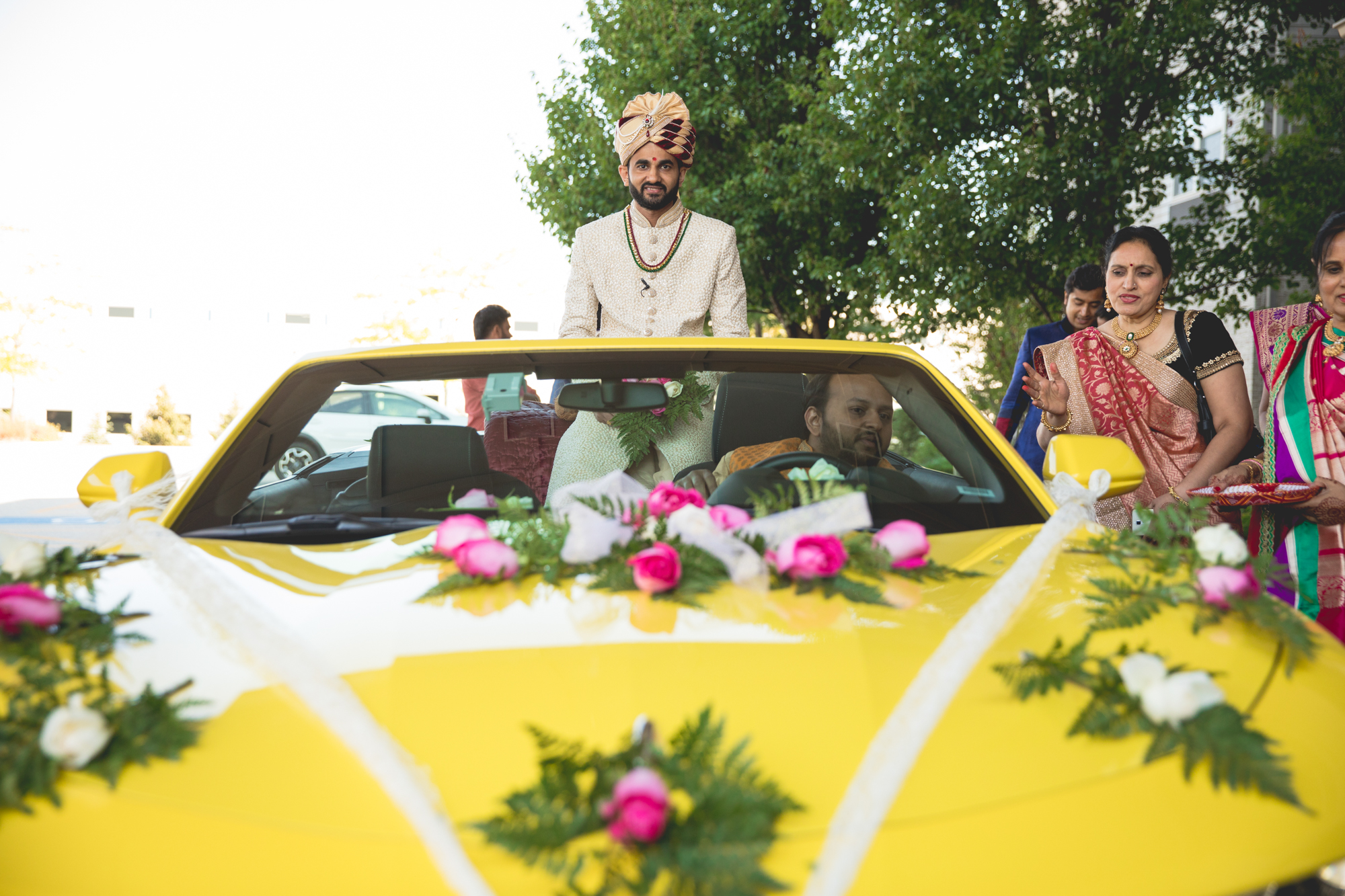groom-in-car-during-baraat.jpg