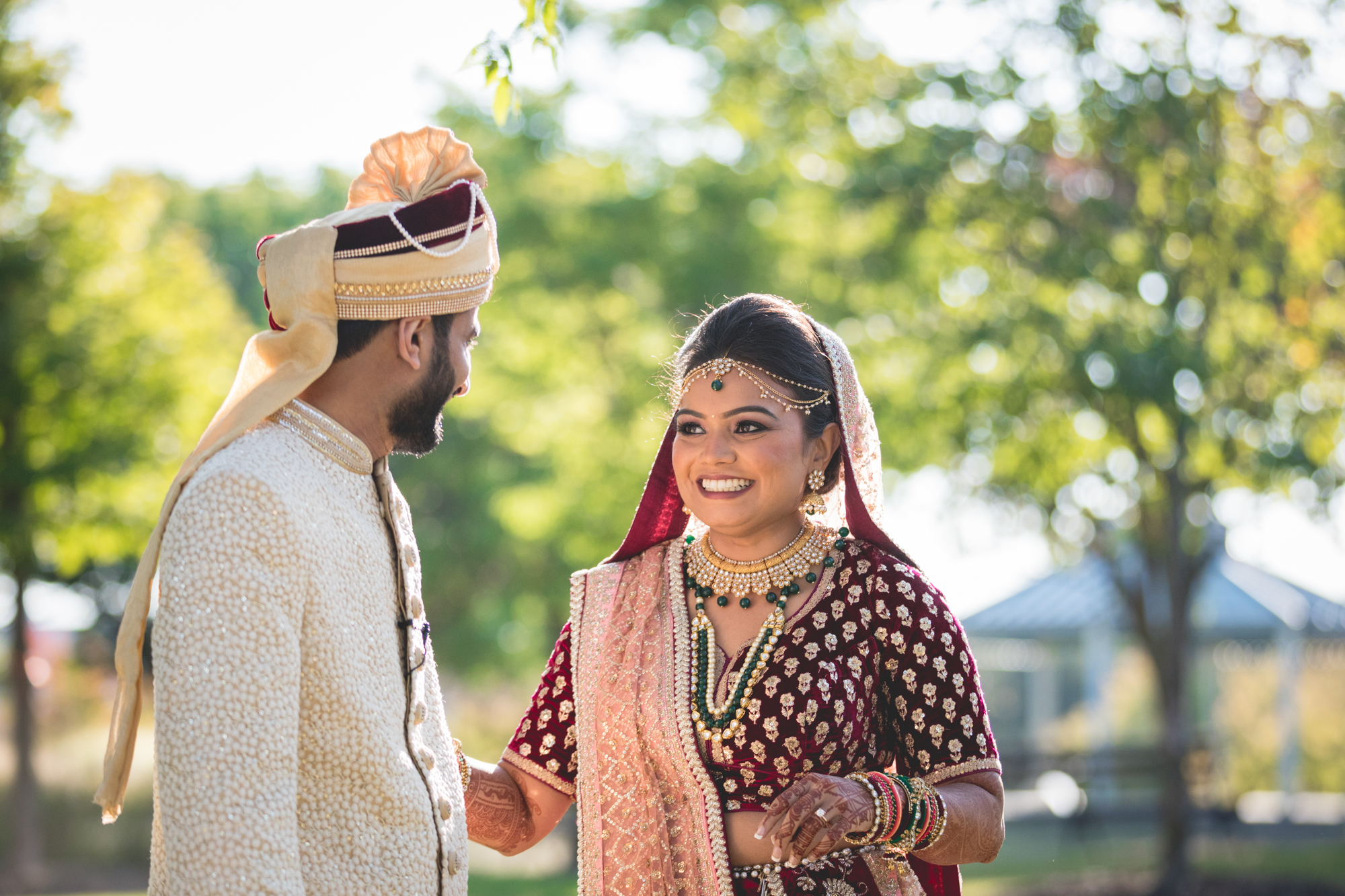 indian-bride-and-groom-first-look.jpg